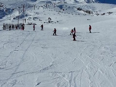 ski lessons mt ruapehu-crop-u1461